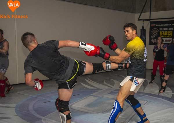 tập kickboxing tại nhà